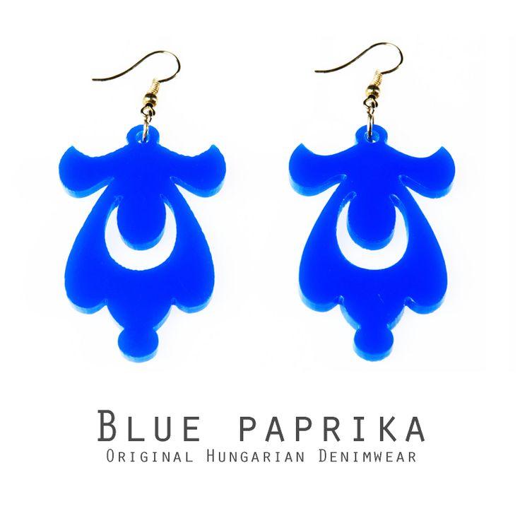 Csepp formájú kék fülbevaló