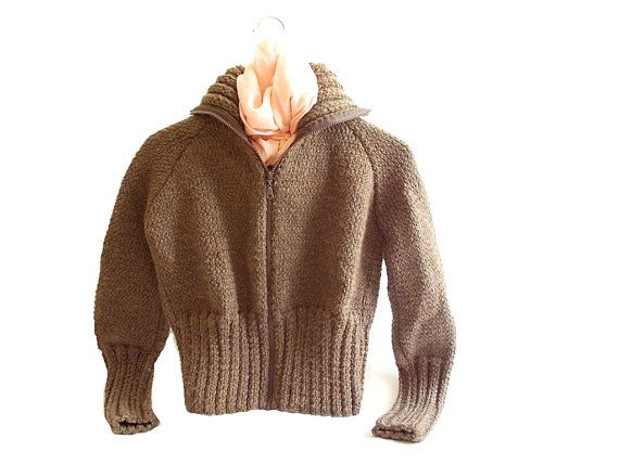 Amazing short wool knitting cardigan