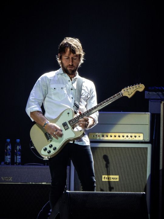 Chris Shiflett, Foo Fighters by robseye76