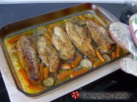 Μμμμμμμ μοσχοβόλισε το σπίτι! Φιλέτα βακαλάου στον φούρνο με λαχανικά και ψημένα σε κρασί χωρίς καθόλου νερό!