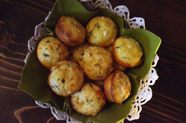 Frământări la cuptor: Briose aperitiv cu telemea