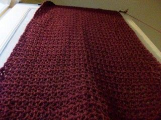 Ever wondered how big your crochet blanket should be, or when to stop stitching that scarf? Well wonder no more! This guide tells you all you want to know about standard measuremens.: Crochet Blankets, Crochet Projects, Medium Size, Crochet Size, Baby Blankets, Handy Guide, Crochet Measuring, Crochet Items, Blankets Scarfs