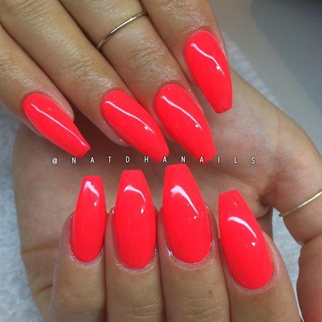 Påfyll/förstärkning på naturliga naglar med Neon Coral ✨