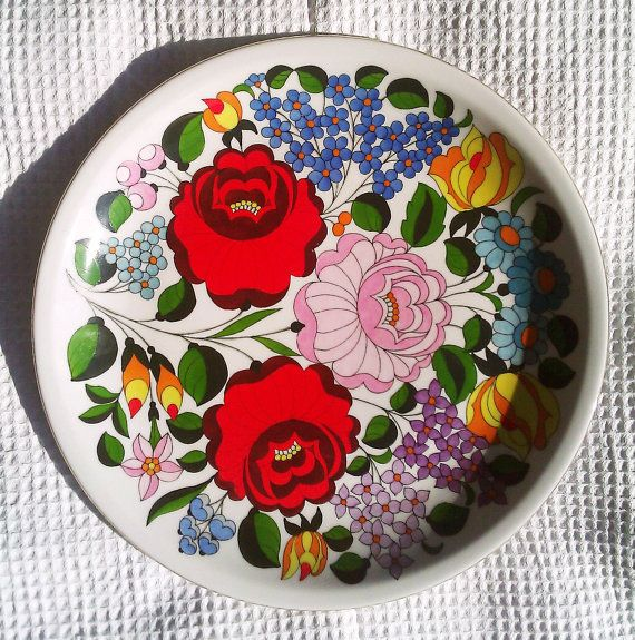 floral wall plate kalocsai white with by OrsaMaggioreVintage