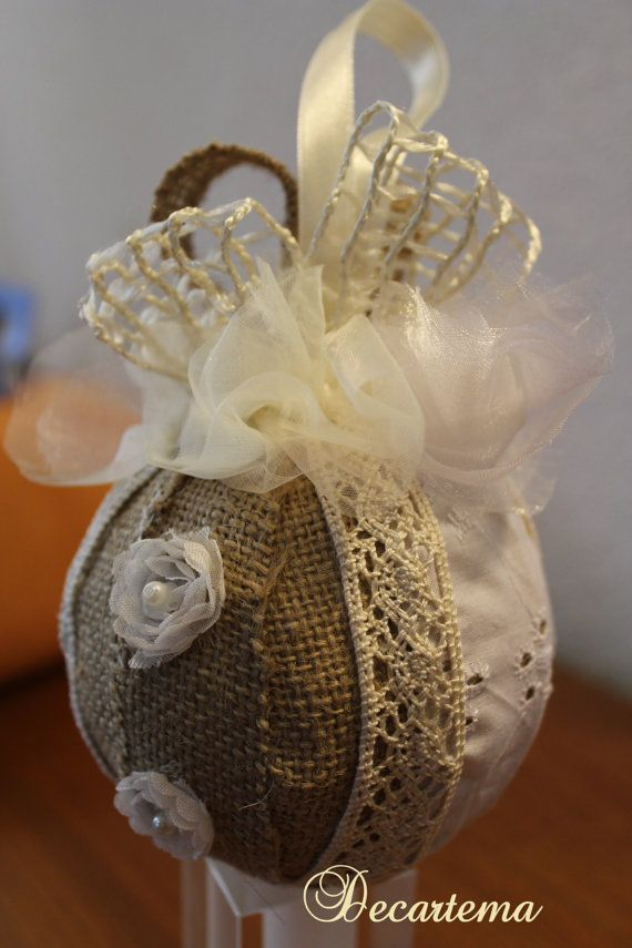 Shabby chic christmas bauble shabby chic and shabby - Decorazioni shabby ...