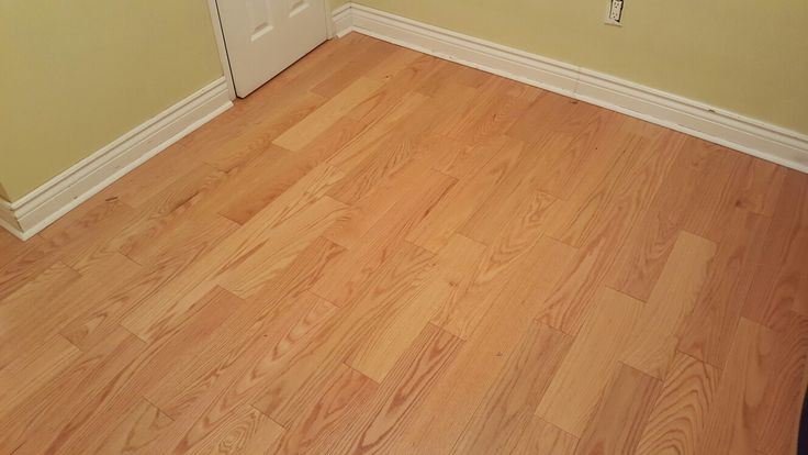 Engineered hardwood floor, white oak, with 2 flush vents #hardwoodfloors #hardwoodflooring #flooring #toronto #torontobuilds #king #luxury #instagood #artflooring #parqueteam #canada #canadian #house #mississauga #ontario #vaughan #thornhill #demolition #construction #contractor #laminate #contractorlife http://www.hardwood-parqueteam.ca/