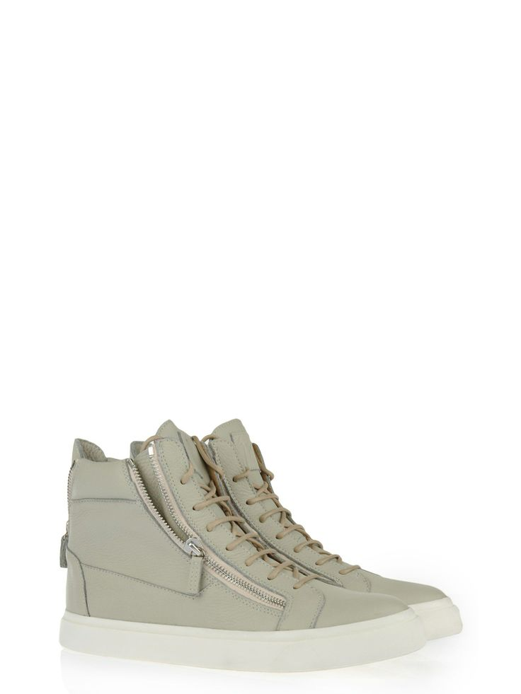 Italian Boutique offers a wide range of Giuseppe Zanotti men & women shoes  from Italy with excellent pricing. Authenticity Guaranteed and Shipping in  24 hrs ...