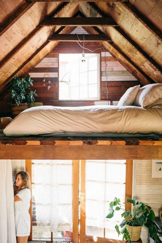 Home Tour: A Tiny, Cozy Cabin within the Pacific Northwest
