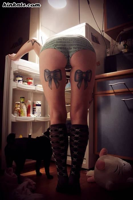 Bows on back of legs tattoo tattoos pinterest leg for Tattoos on back of thighs