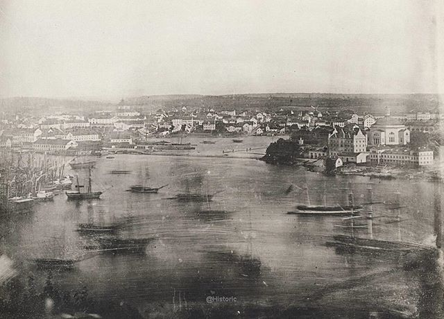 Instagram media by historic - A really fascinating photo that shows a part of Stockholm in 1846, view from the Mosebacke area towards Blasieholmen, Ladugårdslandet and Skeppsholmen.  Why the boats seems so strange is because they are moving during the exposure time  #sverige#sweden#history#historia#svenskhistoria#capital#stockholm#blasieholmen#mosebacke#södermalm#boat#skeppsholmen Tag a friend to show them some @historic pics!