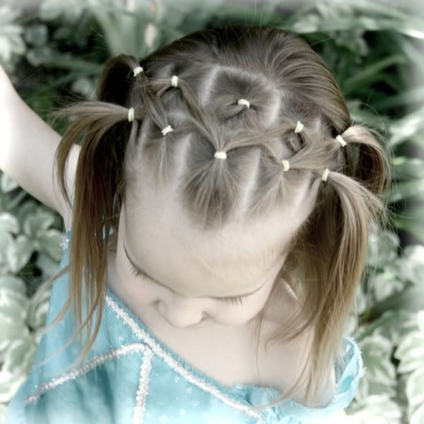 piggy tails: Hair Ideas, Head Bands, Easy Style, For Kids, Criss Crosses, Girls Hairstyles, Hair Style, Kids Hairstyles, Braids Headbands