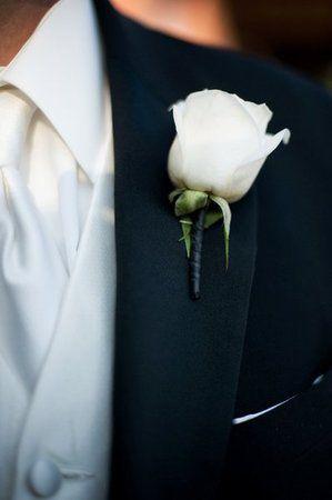 Best 25 White Rose Boutonniere Ideas On Pinterest