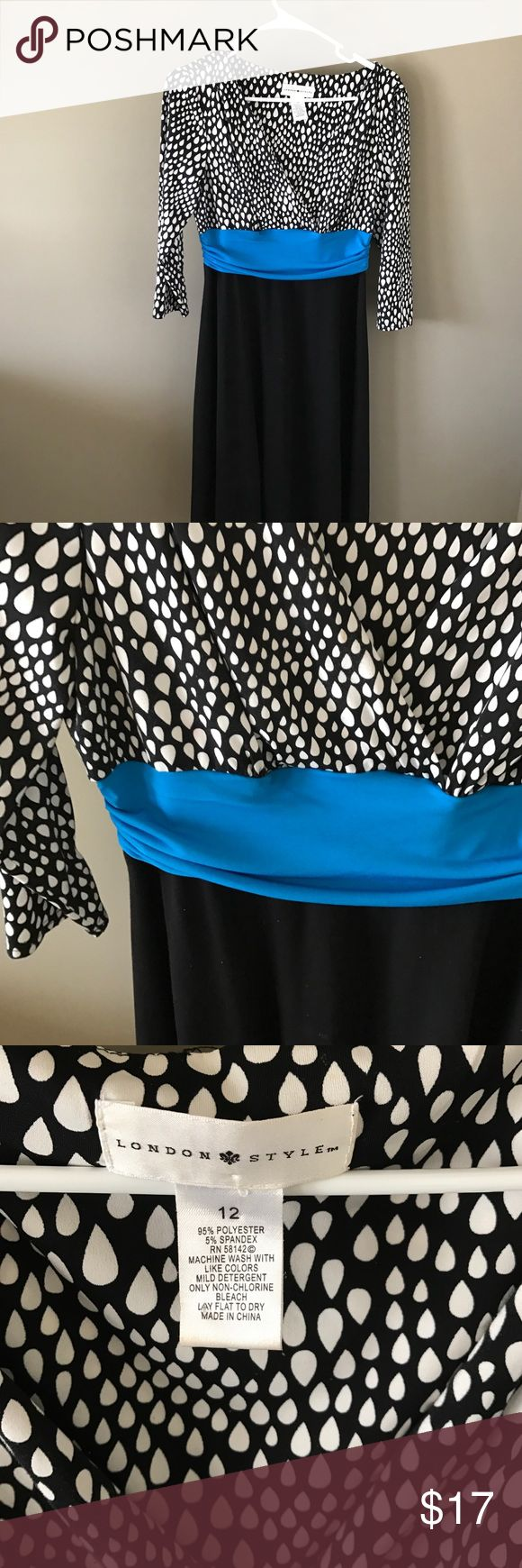 Blue band dress Great dress!  White & black with a electric blue band! london style Dresses Midi