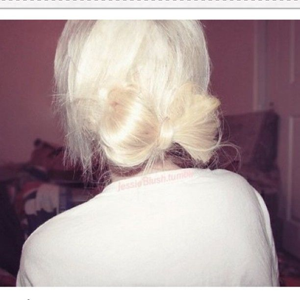 bow hair // LOVE THIS!