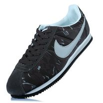 check out 5edd4 5a007 When NIKE CLASSIC CORTEZ is about to usher in 40 birthday, it s sleek,  minimalist