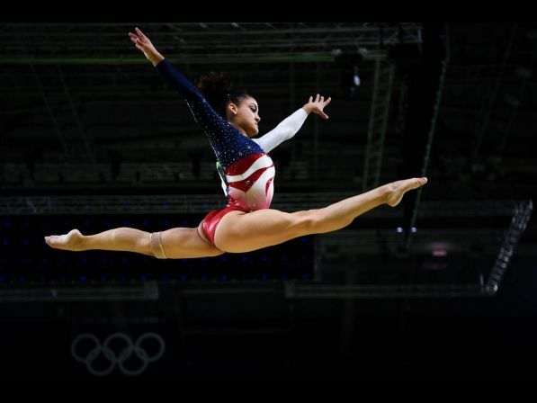 RIO DE JANEIRO, BRAZIL - AUGUST 09:  Lauren Hernandez of the United States competes on the balance