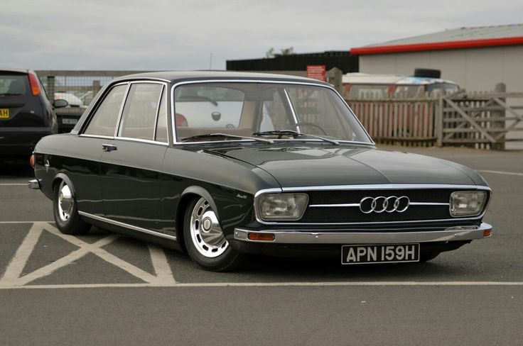It feels wrong liking old German cars, but those lines...