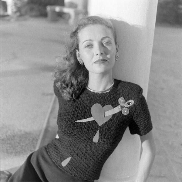 Must have this sweater!    Nina Leen photo, 1947: Nina Leen, Vintage Pretty, Crazy Vintage, Crazy Sweaters, Vintage Wardrobe, Leen Photo, Vintage Sweaters, Vintage Photo, Vintage Style