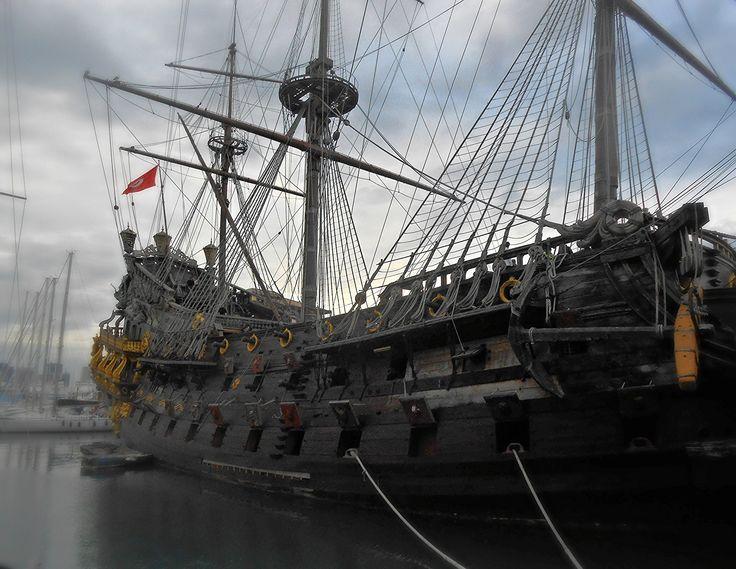 https://flic.kr/p/CS1w1x | Porto di Genova   - Italia | Il Neptune è un vascello (anche se erroneamente indicato come galeone) costruito nel 1986 nei cantieri di Port El Kantaoui (Tunisia) appositamente per il film Pirati di Roman Polanski. Nel 2011, è stato usato come ambientazione per la miniserie televisiva Neverland - La vera storia di Peter Pan di Nick Willing[1]