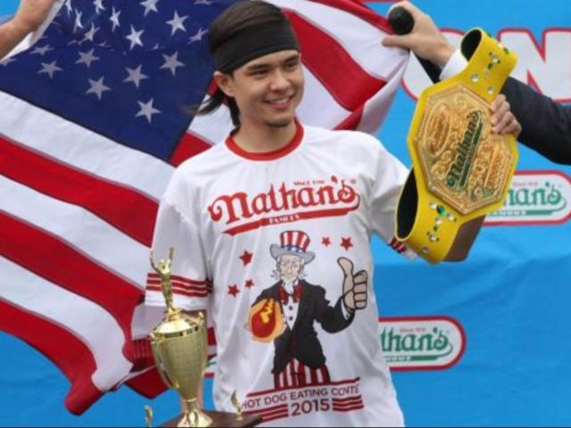 Matt Stonie Upsets Joey Chestnut, Winning Nathan's Annual Hot Dog Eating Contest | Crepes & Watermelon