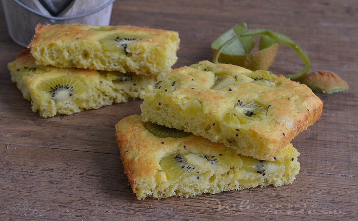 Focaccia dolce ai kiwi ricetta veloce e facile