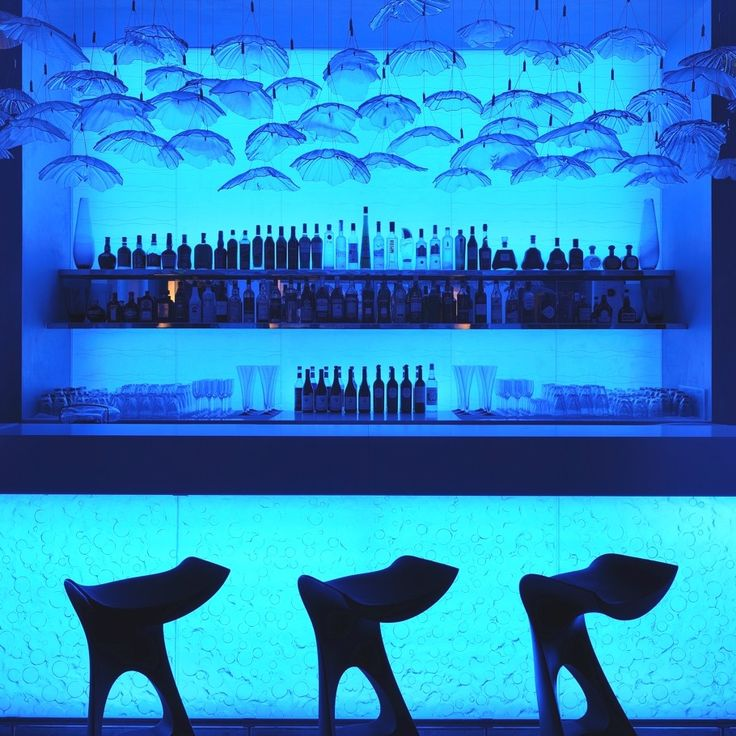 Mood lighting at the Jetty Lounge (One & Only Royal Mirage)