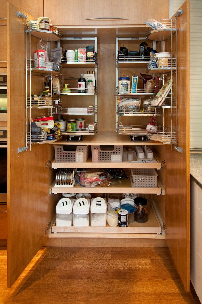 Small Kitchen Design With Cherry Wood Cabinets Pantry Design Kitchen Pantry Design Small Pantry