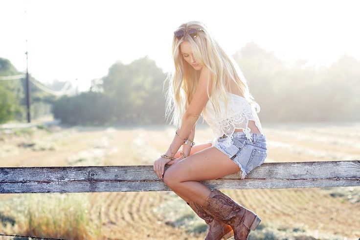 country: Cowgirl Boots, Country Lovin, Boho Cowgirl, Country Fashion, Country Style, Country Girls, Fashion Blog, Cowboys Boots, Chanel Fashion