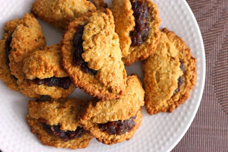 Scientifically Sweet: Soft Date Turnover Cookies