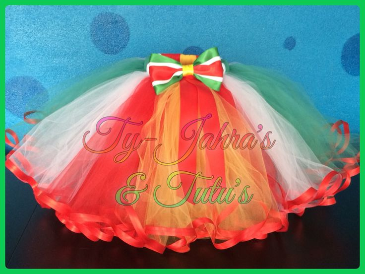 Prinses Imogyne wilde een tutu in de kleuren van de Surinaamse vlag. Met bijpassende strikjes zoals jullie van Ty-Jahra's & Tutu's gewend zijn.   Nadat ik vrijdag ochtend uit de vliegtuig was gestapt vanuit zonnig Suriname ben ik moe maar vol inspiratie aan haar Surinaamse Crunchy tutu begonnen.  Ze vond het geweldig!   Have Fun & Enjoy! @tyjahrastutus ✨