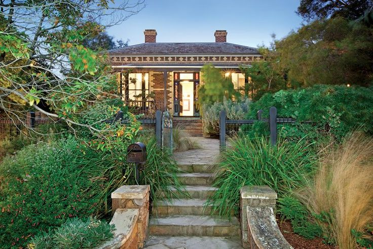 Tuckpointed Hawthorn brick Victorian in Kew, Melbourne. #victorian #house #architecture