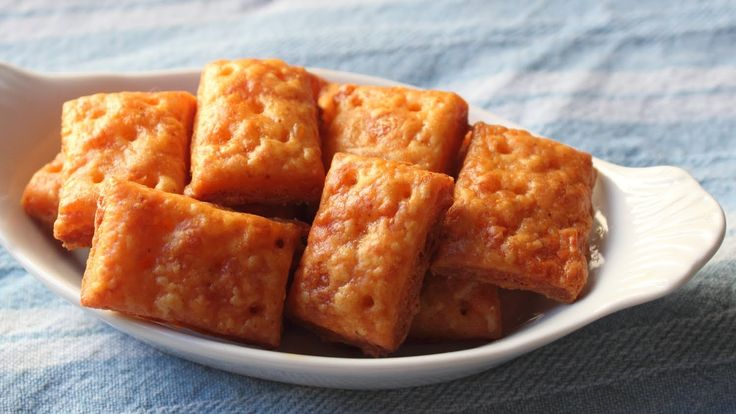 Cheesy Crackers - Homemade Cheese Crackers Recipe   Use lc flower and vital wheat gluten