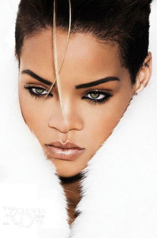 Rihanna. Cantante, actriz y diseñadora de moda.