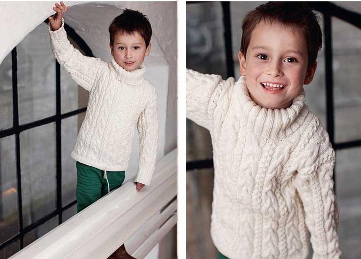 Схема и описание вязания на спицах свитера с косами для мальчика из журнала Burda. Creazion №2/2013