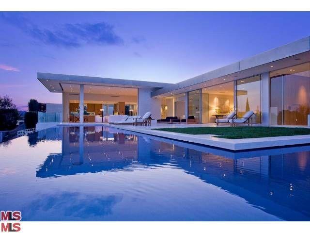 pool backyard :)