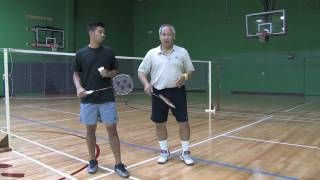 How To Play Badminton For Beginner - YouTube