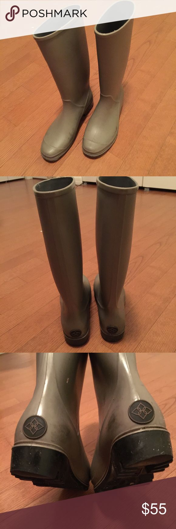 dav grey rubber rain boots easy to clean and comfy rain boots! dav Shoes Winter & Rain Boots