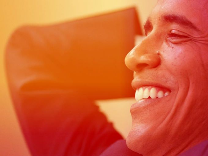 """¿Qué hará Barack Obama después de que deje de ser presidente de EEUU? Te sorprenderá saber que podría terminar trabajando en Spotify.No es broma. El mismo presidente de Spotify, Daniel Ek, anunció que tiene una oferta de trabajo para el """"Presidente de las Listas de Reproducción"""" y qye para obtener la vacante se necesita a un candidato con al menos ocho años de experiencia """"gobernando una nación en alta estima""""."""