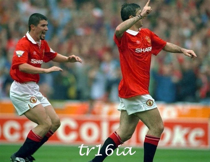 Roy Keane and Eric Cantona              LEGENDS