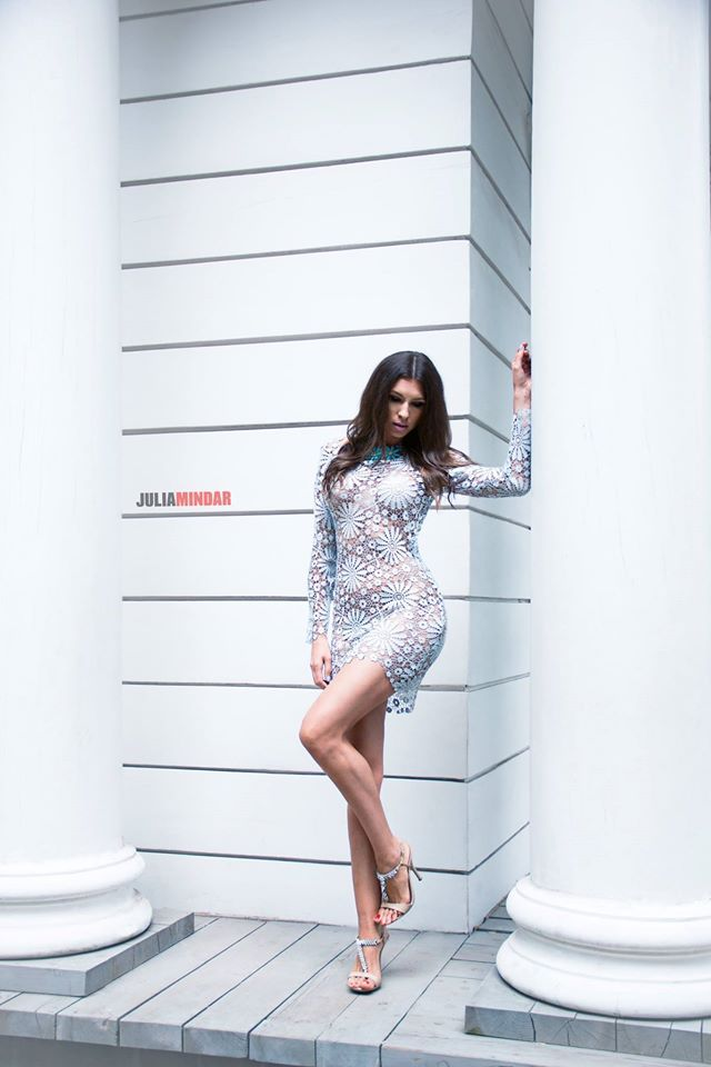 sukienka Gabriela Hezner  fot. Julia Mindar  modelka Karolina Motylewska