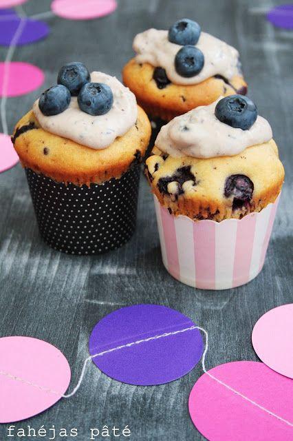 Blueberry-chocolate muffin