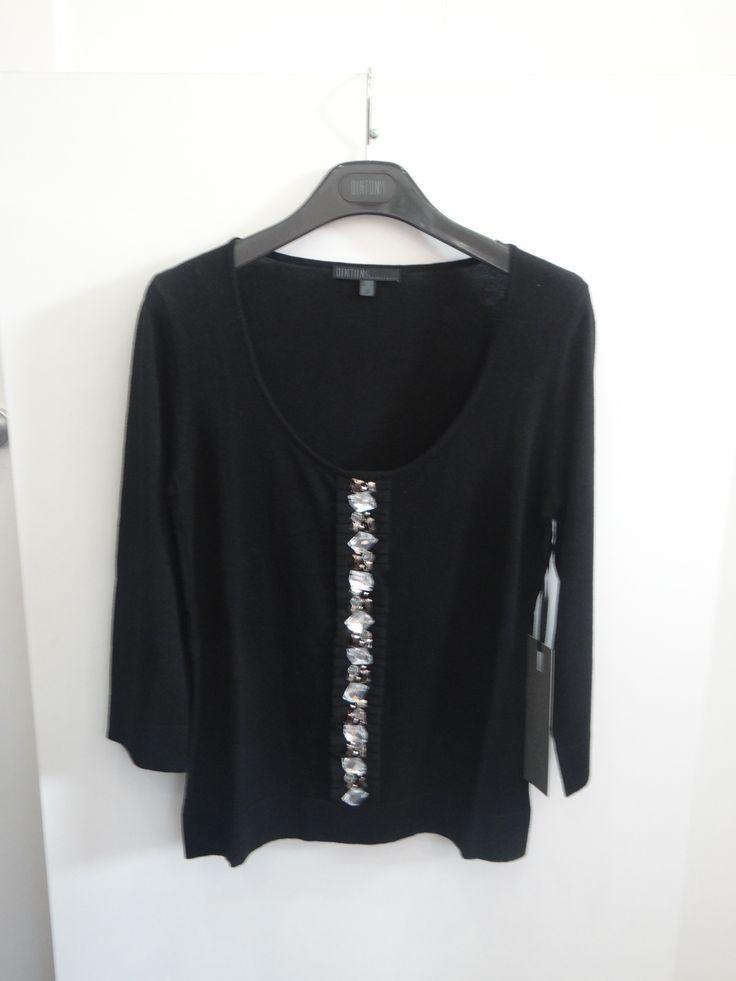 Jersey con aplicaciones de tul y pedrería color negro