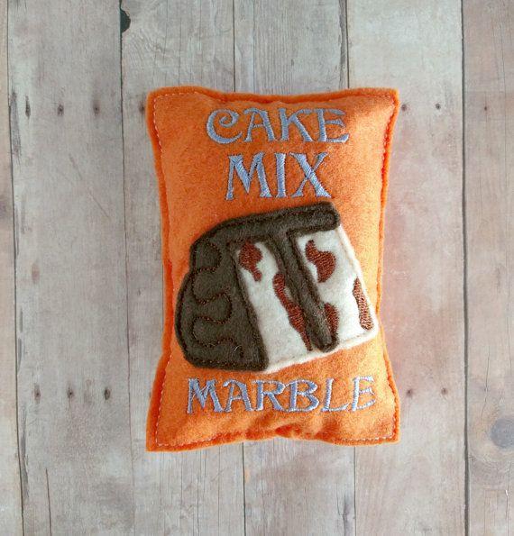 Filz Futtertasche Marmorkuchen Mix, bestickt Acryl Filz, USA gemacht, Spiel-Lebensmittel, Pretend Play, Backen Spielset ideal für Spiel-Küchen