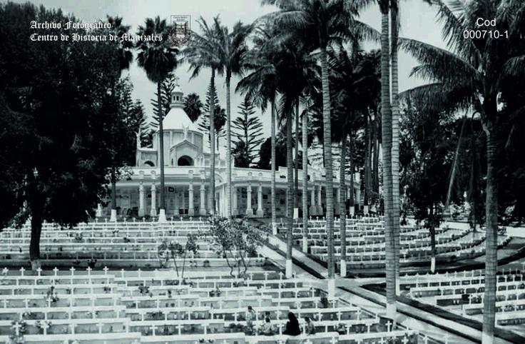 En Junio 17 de 1923, es colocada la primera piedra para el Cementerio de San Esteban.