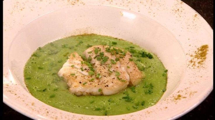 Kabeljauw met dikke erwtensoep en groene curry | Pascale Naessens - mijn pure keuken. Een succes!