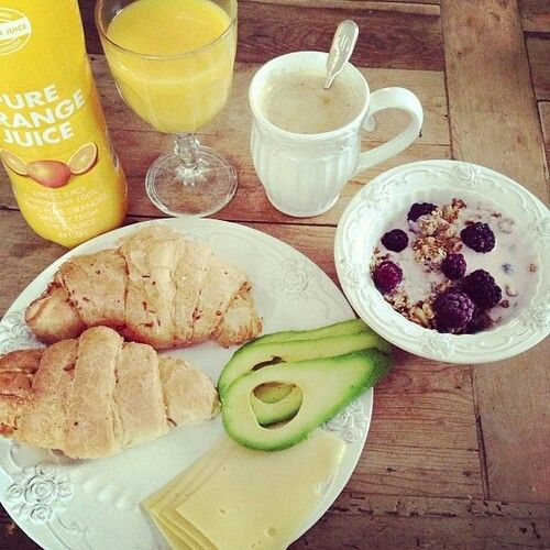 #breakfast #croissant #avocado #yoghurt #orange #juice #berries
