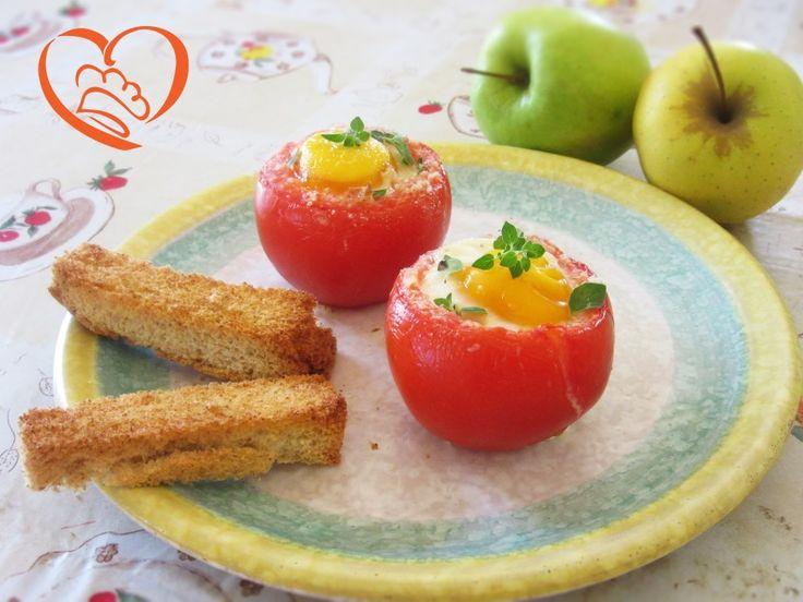 Pomodori ripieni di uova  http://www.cuocaperpassione.it/ricetta/2b2f1f4c-9f72-6375-b10c-ff0000780917/Pomodori_ripieni_di_uova