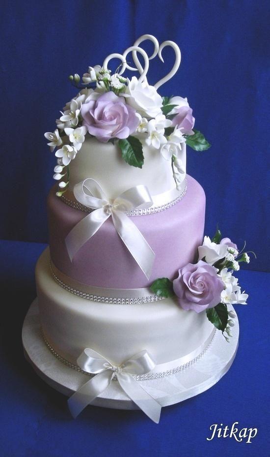 Svatební v bílo-fialové, svadobné torty | Tortyodmamy.sk