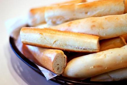 History, secrets behind Pat & Oscar's' signature breadsticks