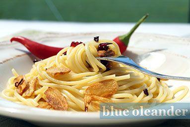 Spaghetti with garlic and pepperoncino
